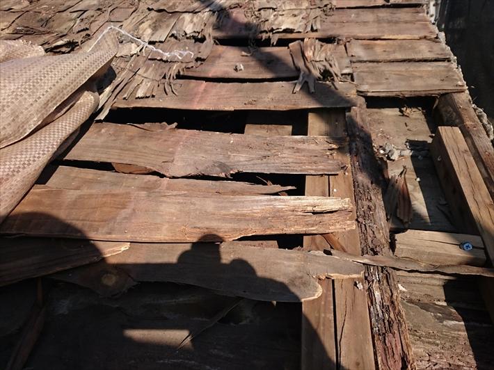 屋根からの雨漏りが被害を拡大させます