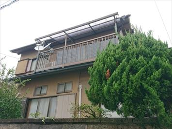 台風19号の強風でバルコニーの屋根が飛ばされました