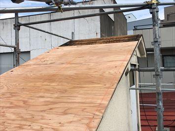 野地板重ね張りした屋根