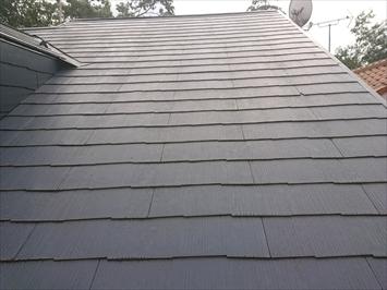 塗装して数年のスレート葺き屋根