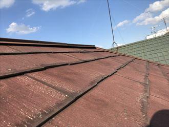 パミール屋根の変色