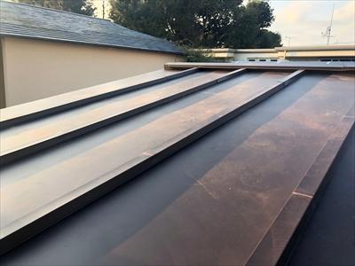 ガルバリウム鋼板で葺き替え工事