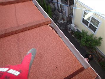 軒先が腐食した瓦棒屋根