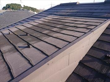一部の屋根が緩い勾配になっています