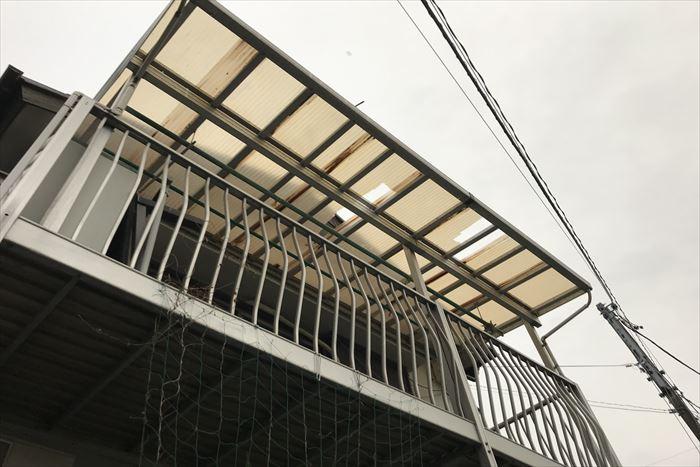 江戸川区篠崎町でベランダ屋根の波板が飛散、台風19号被害の為火災保険で修繕出来ます
