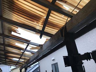 木製支柱も損壊