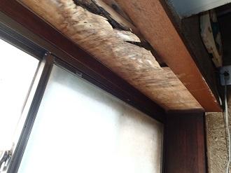 雨漏りによる窓枠の腐食