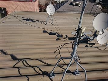 汚れが付着している折半屋根