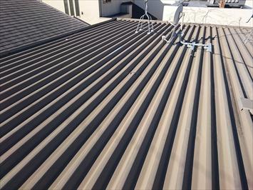 金属屋根は暑くなりやすくなります
