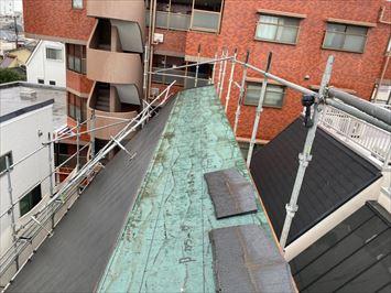 コロニアル屋根部分葺き直し
