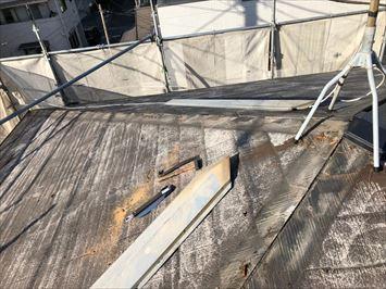 江戸川区篠崎で台風被害の棟板金を足場を組んで交換しました