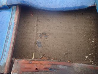 穴の開いた防水紙