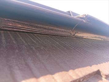 国分寺市東恋ヶ窪で台風の強風で持ち上がった棟板金を火災保険で直します