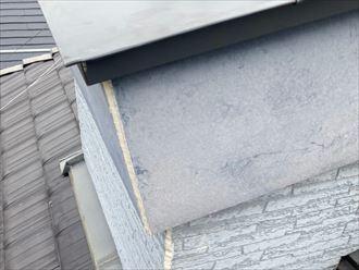 水切り板金の設置と破風の継ぎ目にシーリング処理
