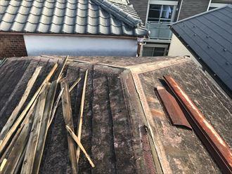 カバー工事、棟板金の撤去
