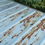 錆びているトタン屋根