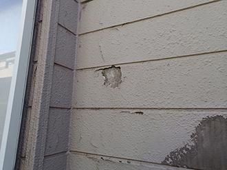 剥離したサイディング外壁