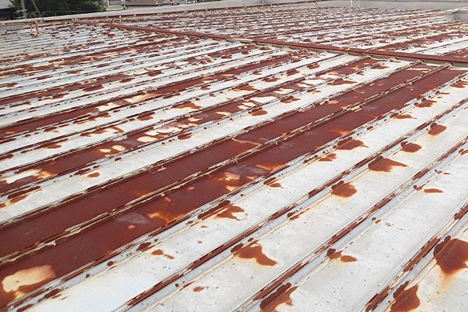 勾配の緩い瓦棒屋根