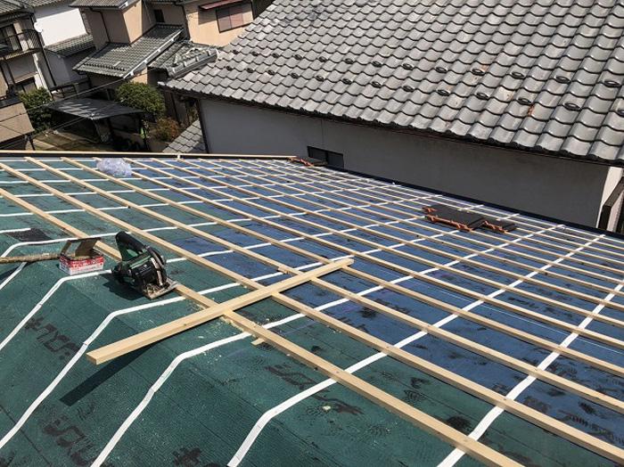 瓦屋根の設置に必要な桟木