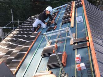 桟木を使った屋根葺き替え工事 瓦の乾式工法
