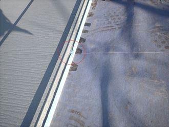 ビスでの屋根材固定