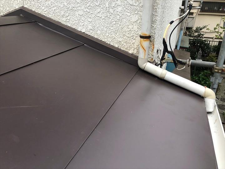 ガルバリウム鋼板に葺き替えた屋根