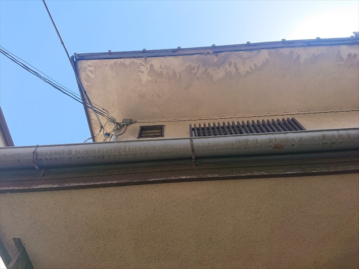 屋根の下地が腐食しています