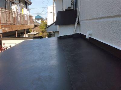勾配のついた新しい屋根