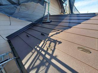 ガルバリウム鋼板を葺いた屋根