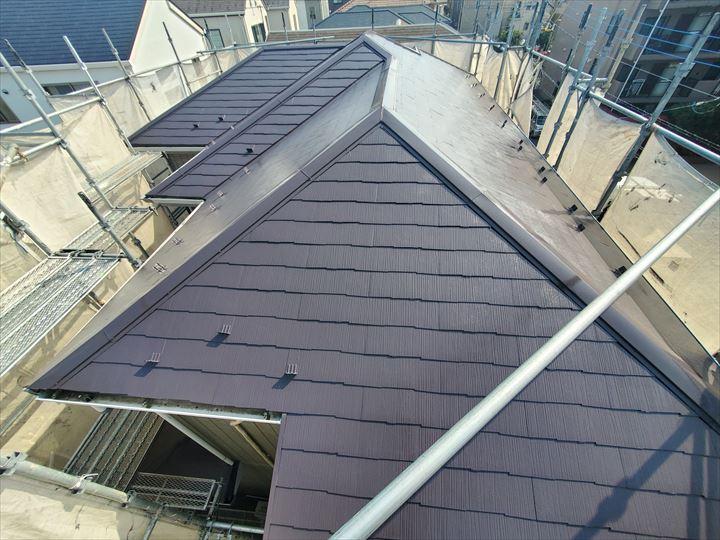 棟板金交換工事とサーモアイ4Fを使用した屋根塗装工事完了