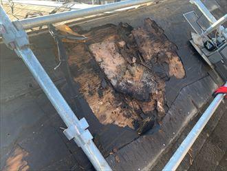 野地板が腐って釘が打てない状態の野地板