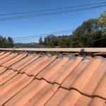 洋瓦を使用した屋根の棟の心木を交換
