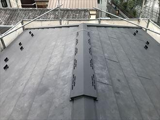 江東区大島でスパーガルテクトで屋根カバー工事、換気棟を取り付けました