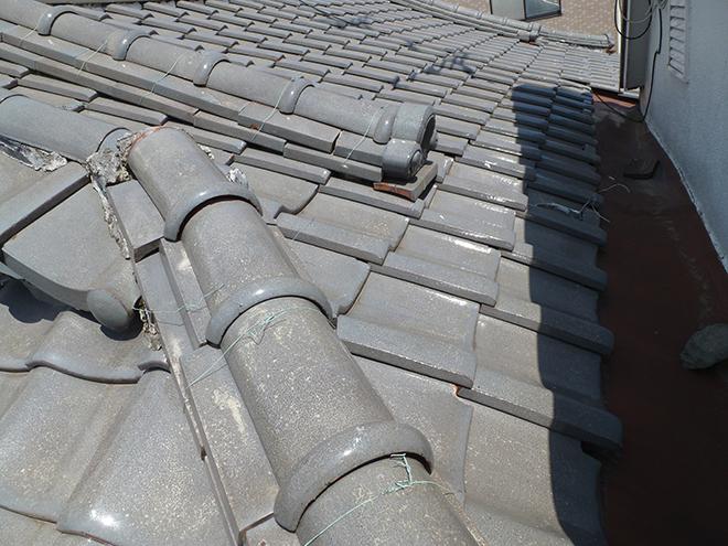 降り棟や隅棟のズレや漆喰の劣化