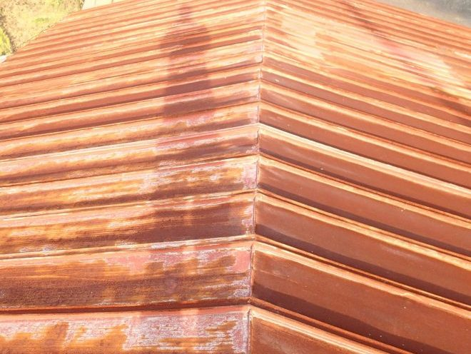 古い瓦棒屋根