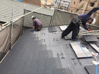 屋根葺き替え工事 屋根材設置
