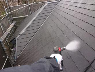 屋根塗装 高圧洗浄の様子