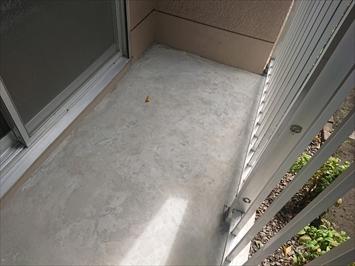 日野市多摩平でバルコニーの床には防水工事が必要です