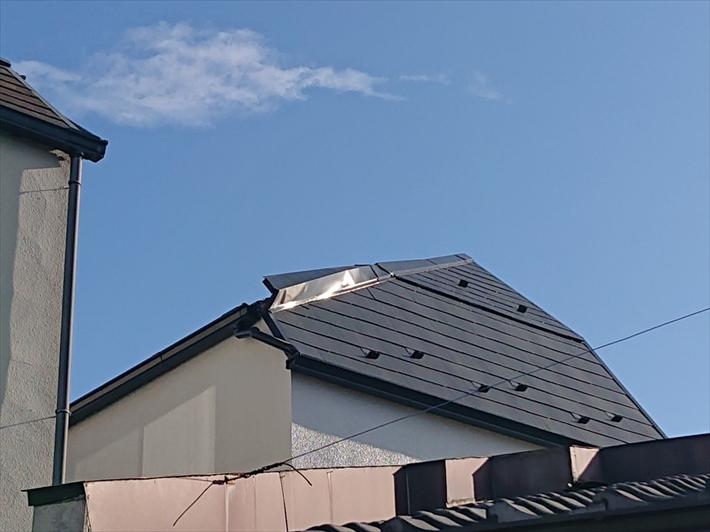 被害を受けたスレート屋根