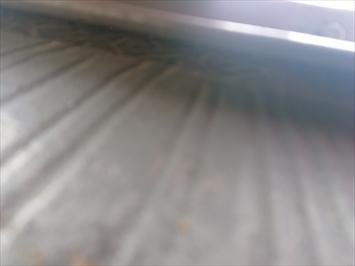 下地の貫板が浮いています