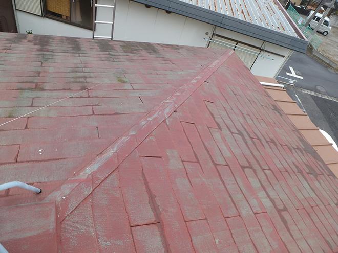 スレート屋根が変色