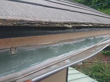 雪による雨樋の歪みは火災保険が適用されます