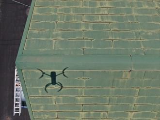 ドローンを飛行させて屋根調査