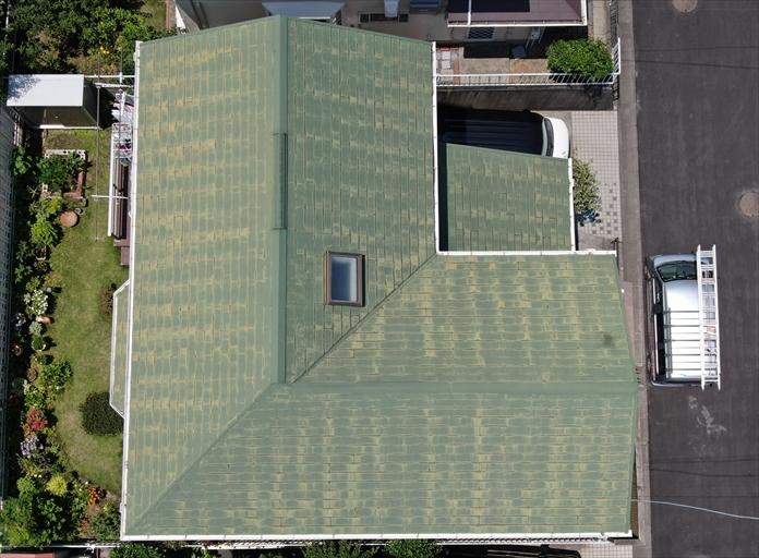ドローンを飛行させたスレート屋根調査