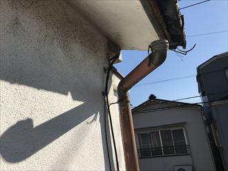 雨樋の外れが発生