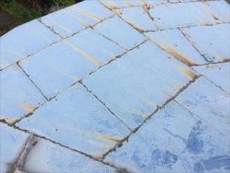 ところどころ錆び出している板金屋根