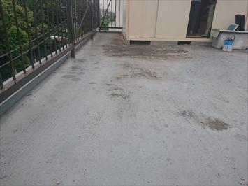 防水工事前の屋上の状態