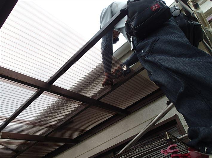 江戸川区一之江で強風で破損したベランダ屋根の工事が終了いたしました