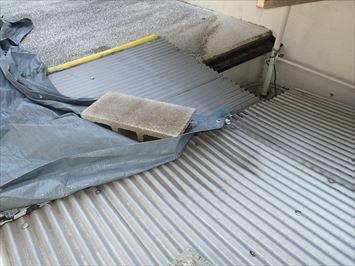 屋根に屋根を重ねる