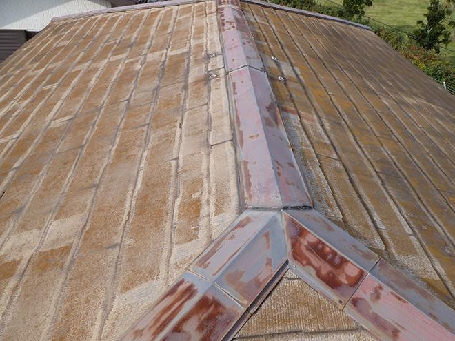 塗膜を失ったスレート屋根